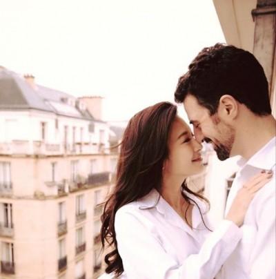 艾莉絲曝老公愛的舉動  365天不曾間斷閃翻