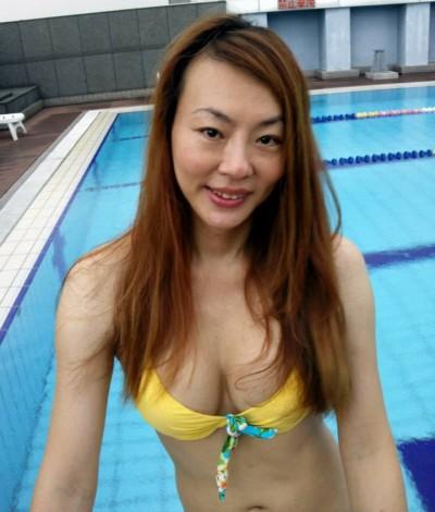 法拉利姐台灣最後一賣 熱情鄉民爭搶拍照送別