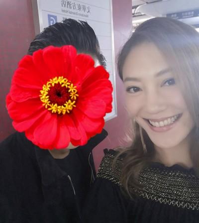 香港天王現身地鐵暴動 應采兒同框狂喜