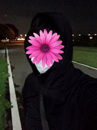 深夜一身黑又戴口罩出門 民眾驚嚇拔腿狂跑