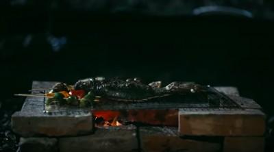 (影音)中秋烤肉烤到人面魚!驚見紅衣小女孩