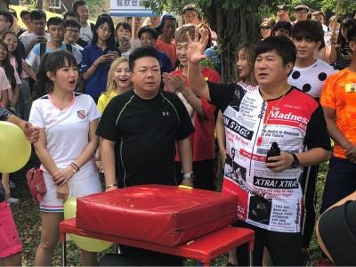 董至成返台回《大集合》 秀中國信用卡甩落魄