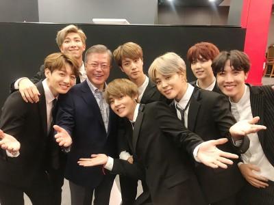 BTS做音樂外交  文在寅捧場搶合照