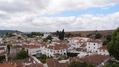 堅固城牆帶路 領略葡萄牙歐比多斯迷人風光