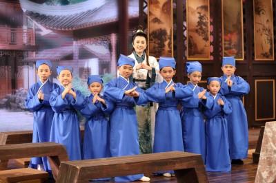 孫翠鳳小學堂開課 明華園第四代原來這樣萌
