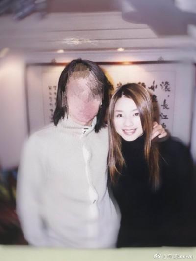 崩潰癡念許瑋倫11年⋯李威催淚「再次告白」還代她盡孝