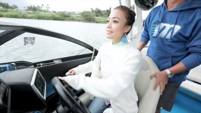香港天后飆船初體驗 扛7條人命嚇到花容失色