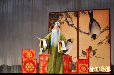 經典再現 李寶春攜青年演員詮釋《趙氏孤兒》《秦香蓮》