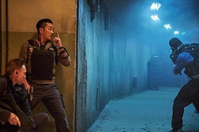 河正宇受困30公尺碉堡 演員直呼「呼吸困難」!