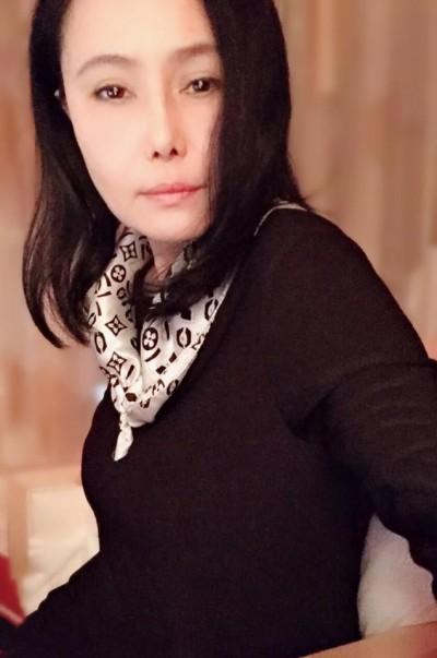 江蕙深夜秀「男友」視角照片 網友驚問:菲哥嗎