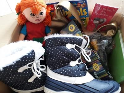 耶誕月鞋盒活動  給全球沒有禮物的孩子一個驚喜