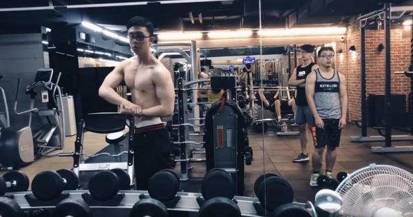 (影音)返台第5天上健身房 孫安佐狂秀大肌肌影片...