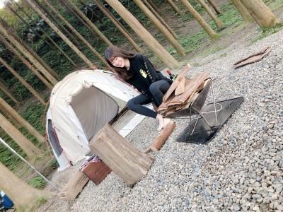 20歲女星野外露營「轉大人」 太享受竟忘了洗澡