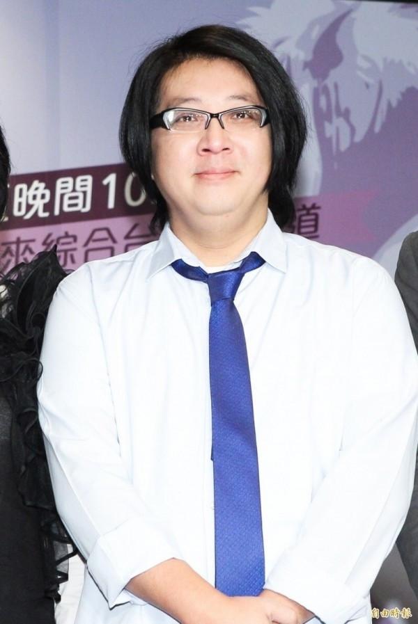 袁惟仁昏迷暴瘦20公斤 返台榮總加護病房治療
