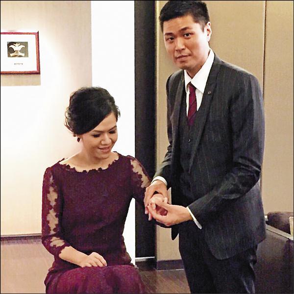 李坤儀(左)已於5月底與凱渥總監趙贊凱低調訂婚。(趙贊凱提供)