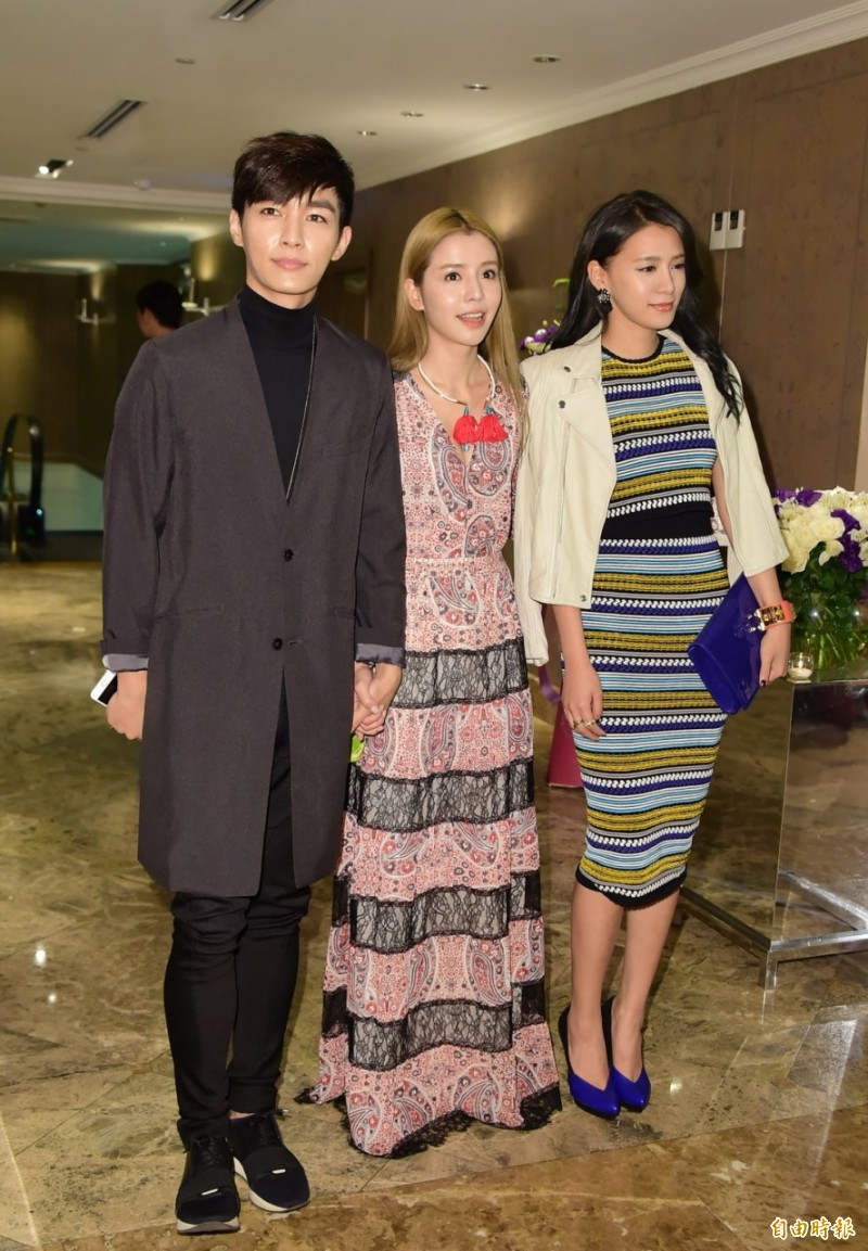 Only4FRH: Aaron Yan and Tia Li - 5 hours in the rain