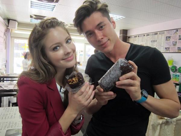傑克自2015年1月與安妮擔任衛視中文台《就愛台灣味》主持人。(圖擷取自就愛台灣味臉書)
