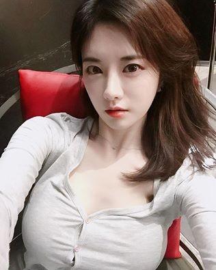 南韓網路女主播韓申穎。(圖片取自臉書)