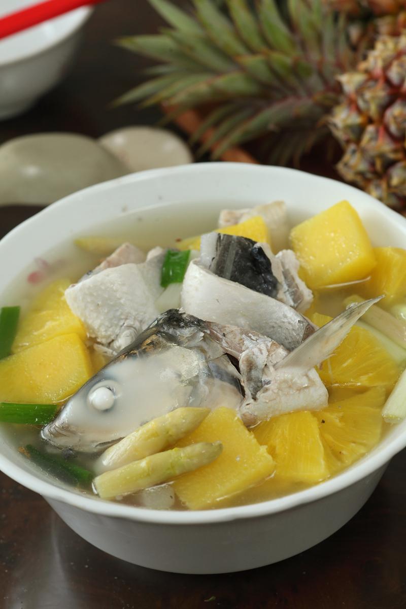 鳳梨海鮮湯