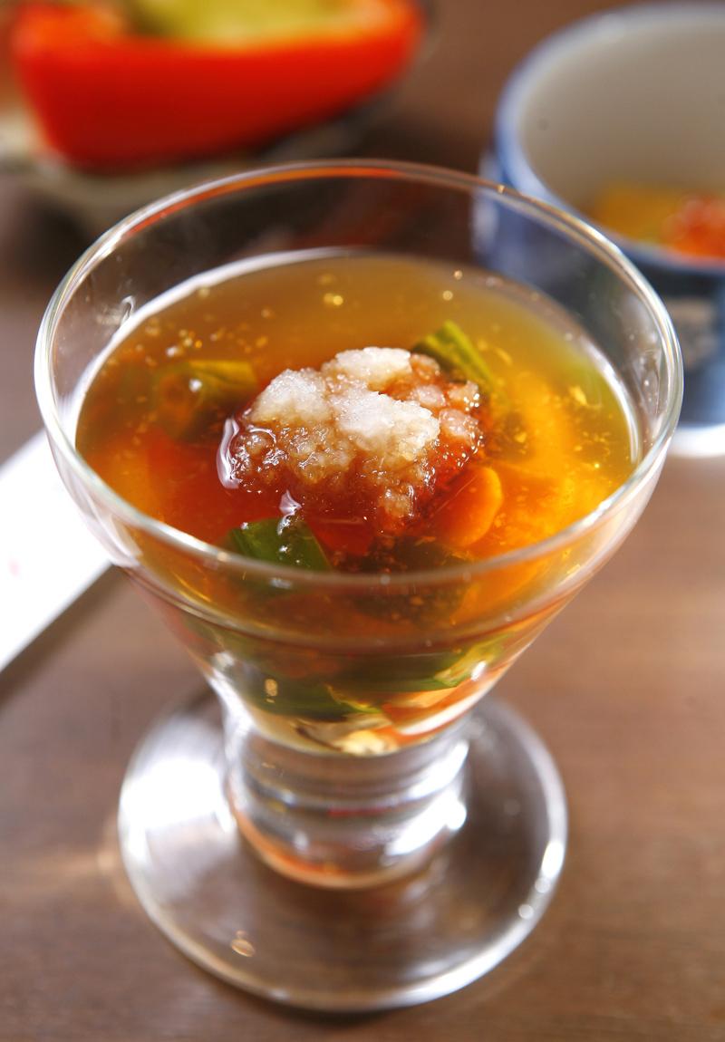 和風冷菜 · 蝦仁蔬菜凍佐橙醋