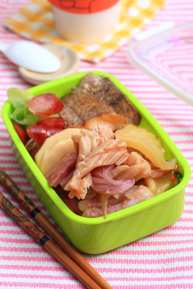 酸菜燴魷魚