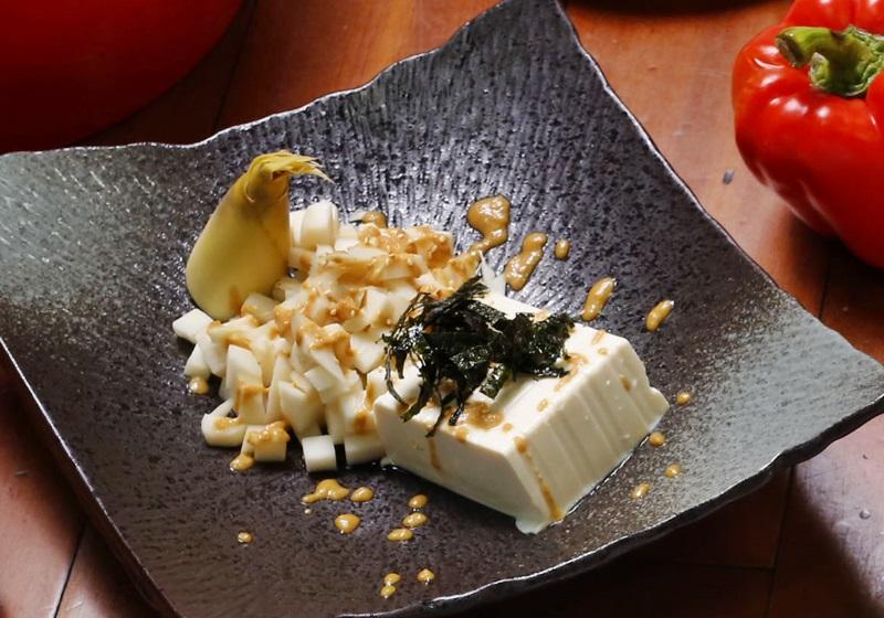 胡麻醬涼拌竹筍豆腐