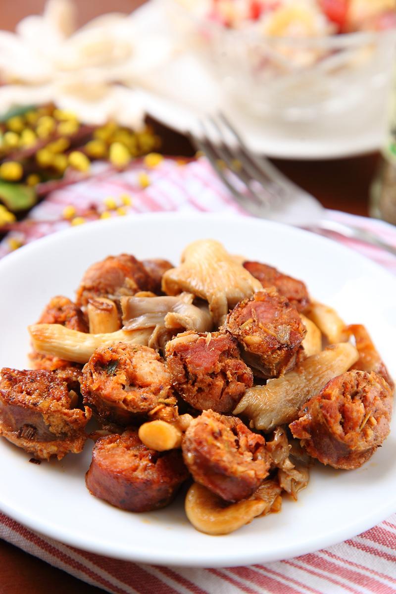 滑菇炒泰式香腸