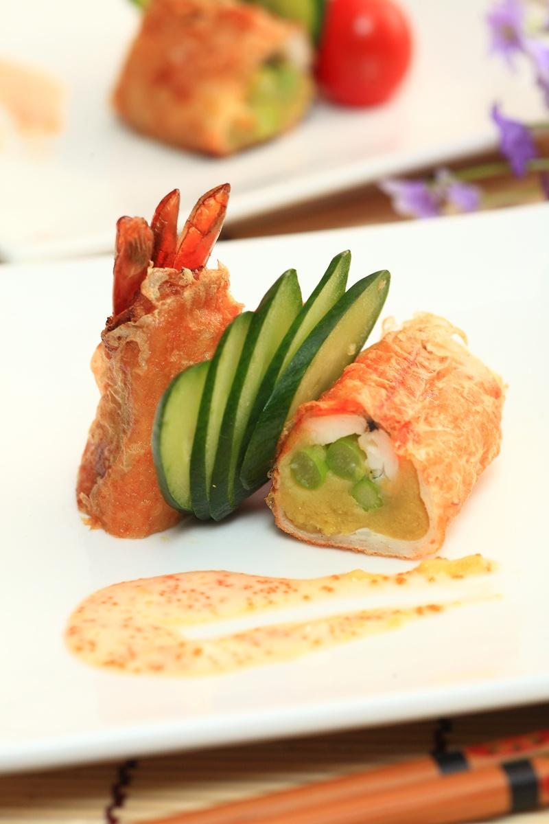 金泥鮮蝦楊佐魚子芥末