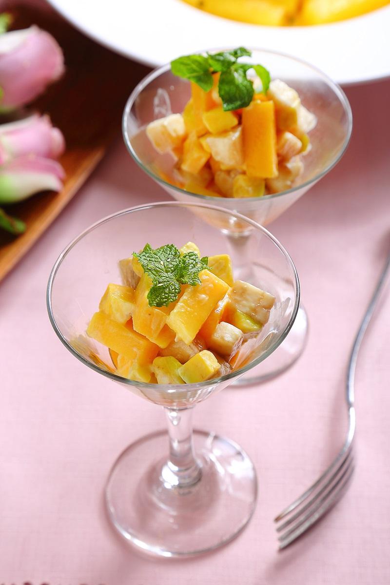 柳橙優格佐酪梨水果