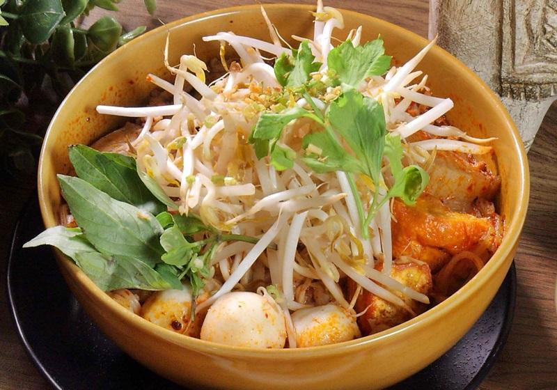 泰式奶香豬肉米線