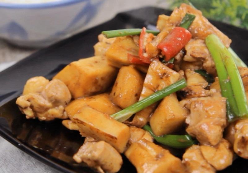 周氏醬筍燒雞(影片)