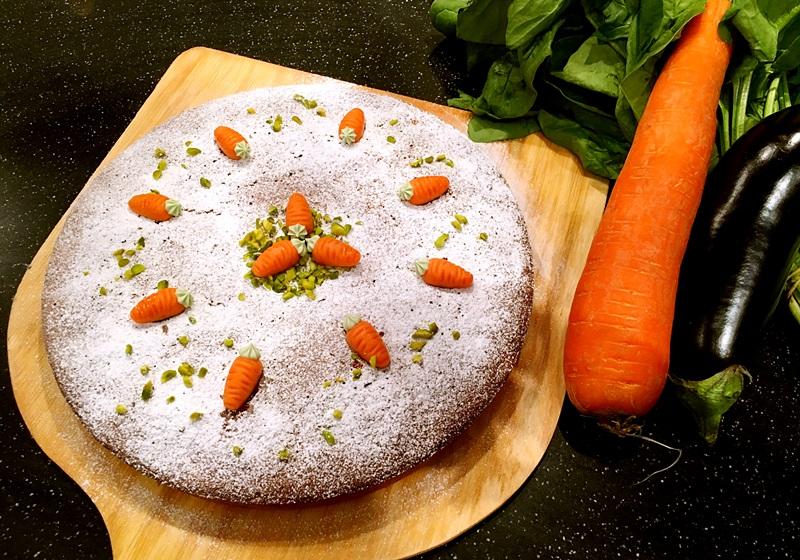 胡蘿蔔蛋糕佐香草冰淇淋