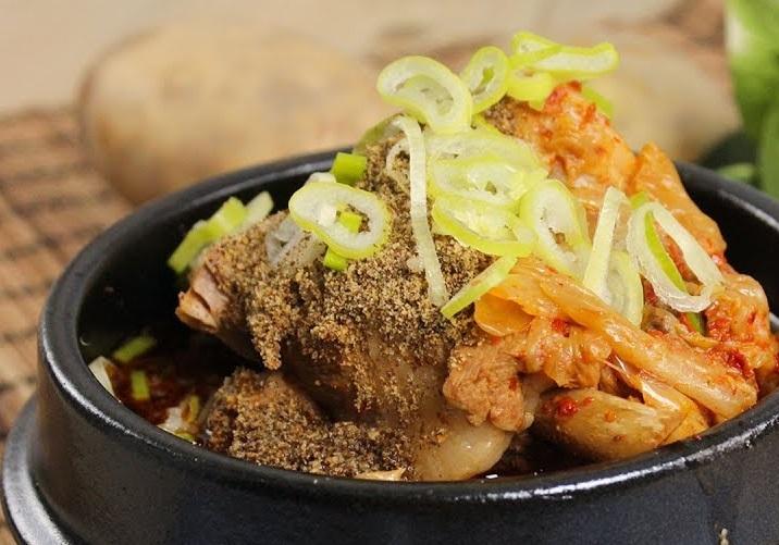 韓式馬鈴薯燉排骨 (影片)