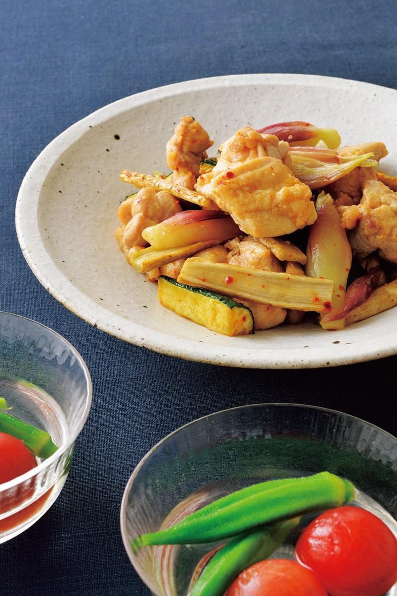 低醣料理 ▪ 燉煮雞肉與夏季蔬菜