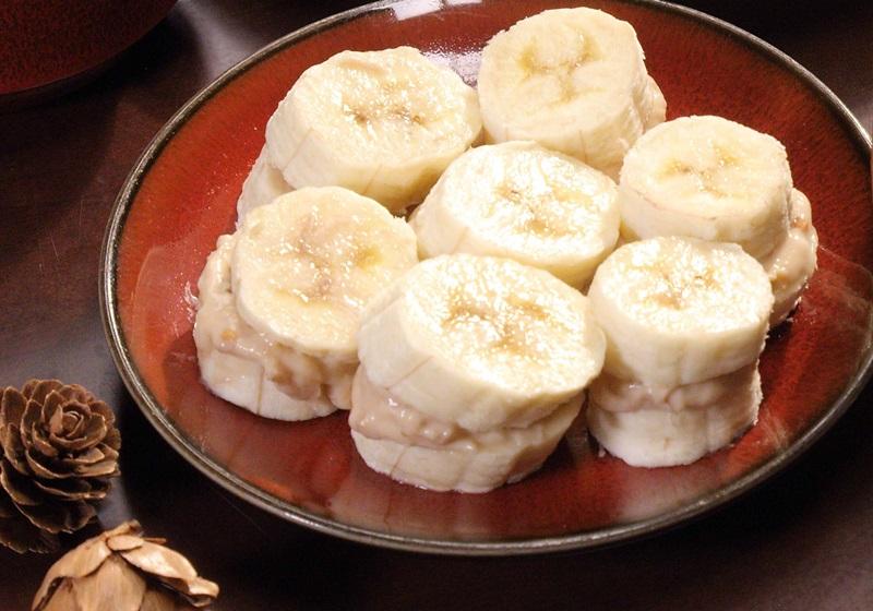 健身食譜 · 香蕉花生夾心小點
