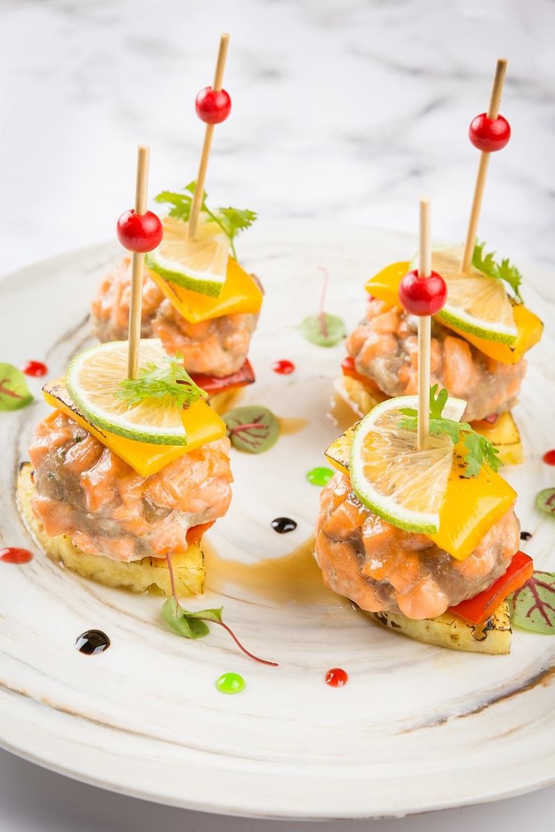 烤鮭魚小丸子串燒