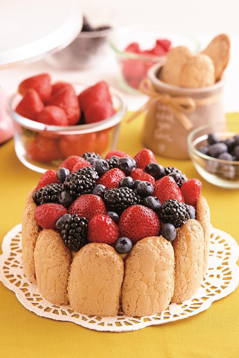 法式小點 │ 莓果夏洛特