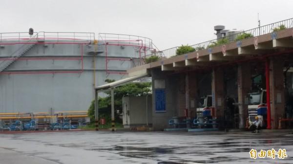 新竹市議會要求中油油庫5年內完成搬遷。(記者蔡彰盛攝)