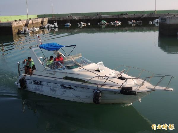 大倉國小廢校,島上學童每日搭乘快艇上下學。(記者劉禹慶攝)