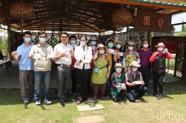 斗六市公所訂製6萬個口罩,將送學童抗空污。(記者詹士弘攝)