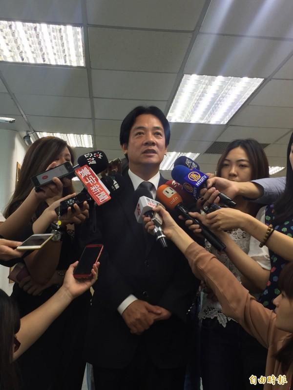 台南市長賴清德今天北上民進黨中執會,痛批監察院擴權,傷害民主。(記者陳慧萍攝)