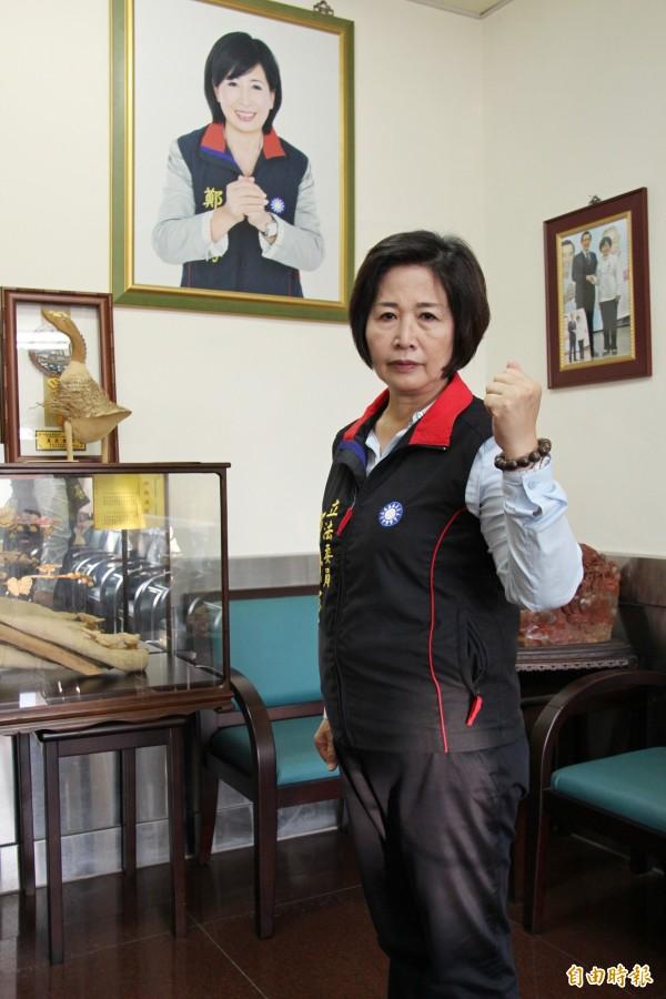 彰化立委鄭汝芬重披國民黨戰袍,參加明年立委選舉。(記者陳冠備攝)
