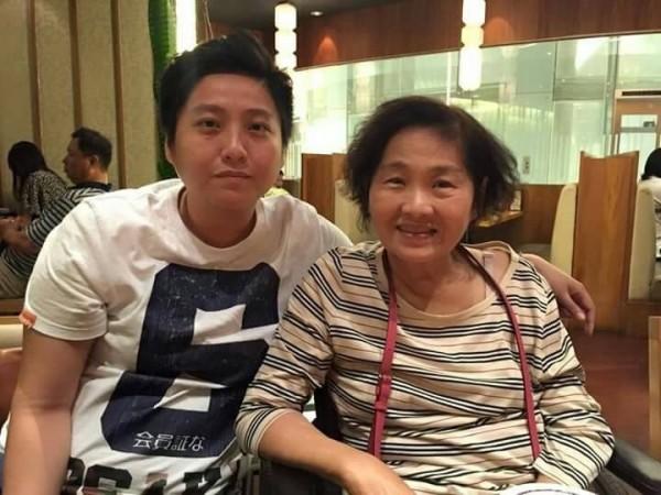 朱挺玗(左)今年5月在臉書貼出與吳德美(右)的合照。(取自朱挺玗臉書)