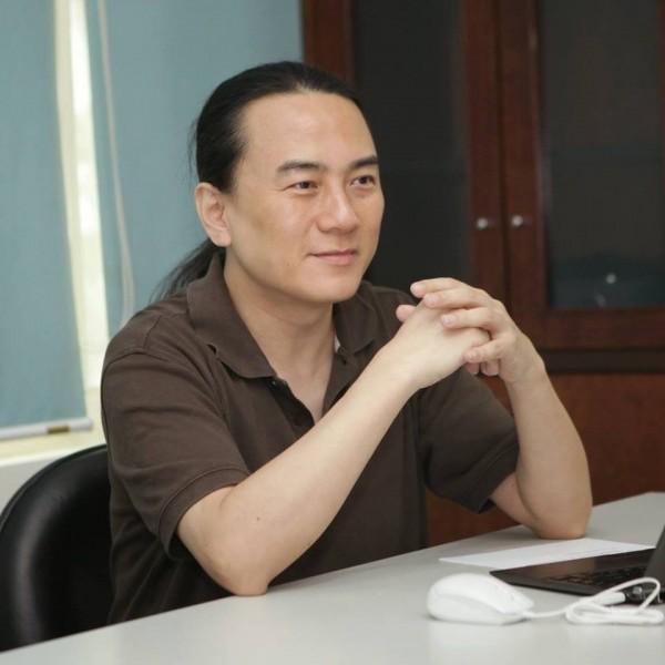 「翟神」翟本喬要來高雄設立雲端研發中心。(擷取自臉書)