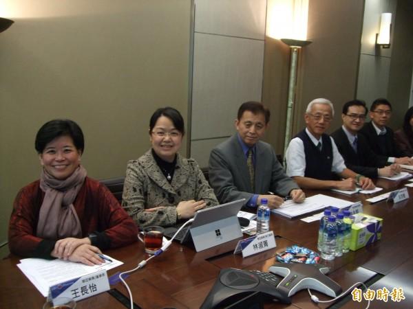 聯亞藥業經營團隊,左一為董事長王長怡(記者陳永吉攝)