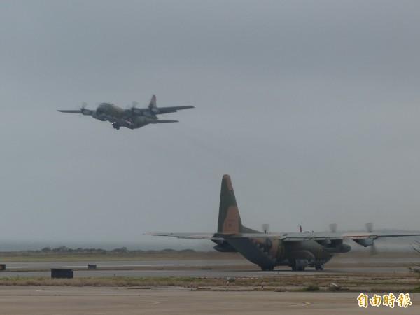 濃霧攪金門 民機、軍機聯手疏運萬名旅客