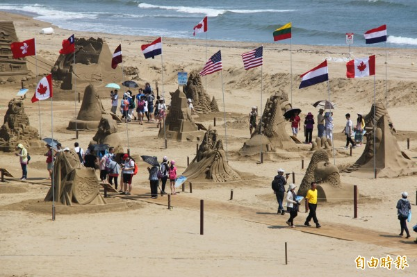 福隆沙雕季今年展出80座沙雕創紀錄。(記者林欣漢攝)