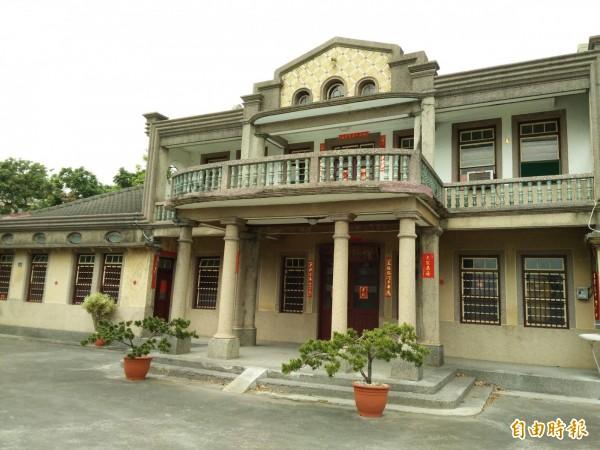 寶島歌王黃三元,其故居呈現日治時代的洋樓風格,埔心鄉公所希望推動為歌謠博物館。(記者陳冠備攝)