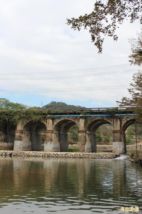 第2屆的「關西小鎮路跑賽」賽事路線,將有更多親近牛欄河親水公園及東安橋的機會。(記者黃美珠攝)