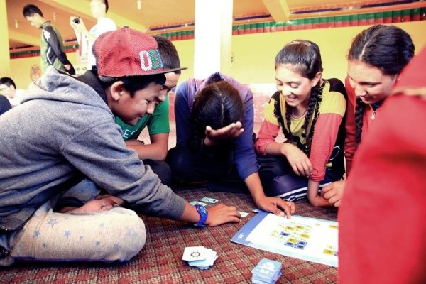 交大學生團隊「程式老爹」希望讓學童寓教於樂。(程式老爹團隊提供)